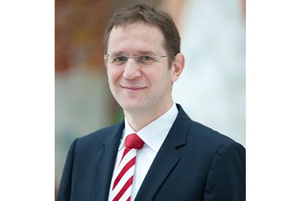 Dr. Claus Mischler
