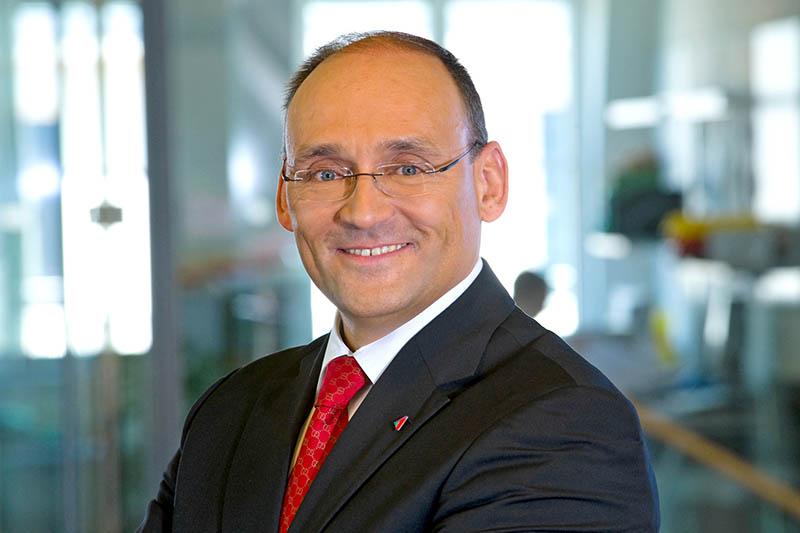 Alexander Neubauer, Leiter Partnervertrieb