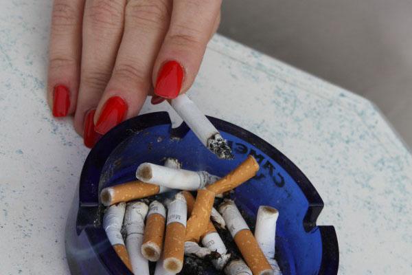 Rauchen unter freiem Himmel ist noch erlaubt.