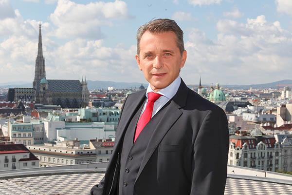 Helmut Mojescick